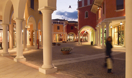 Shopping al Fashion District Mantova Outlet
