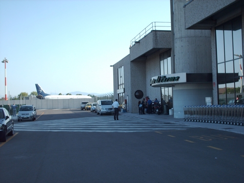 Aeroporto di Parma (PMF) Autonoleggio con Autista