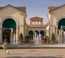 Shopping al Serravalle Designer Outlet